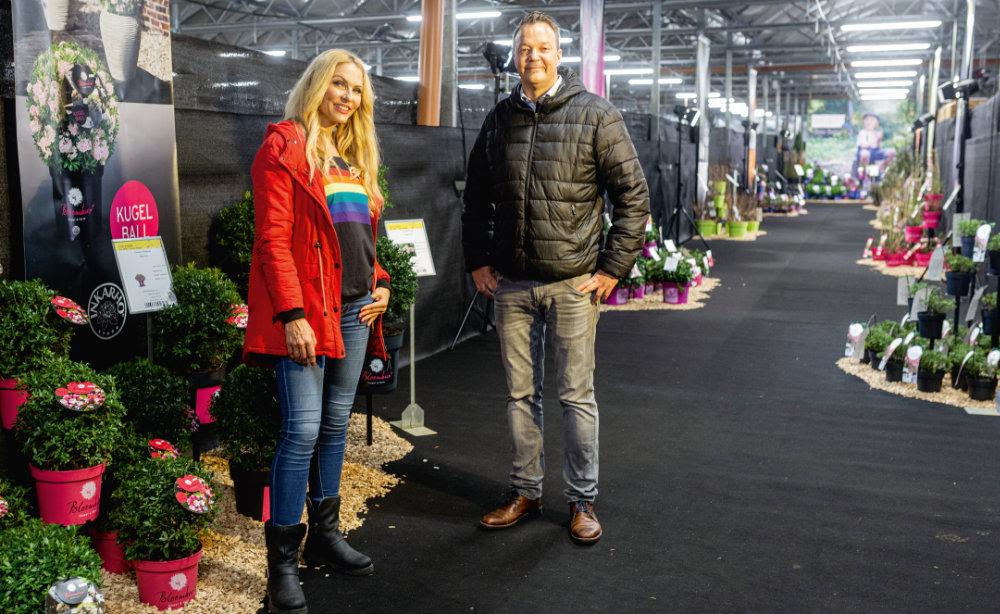 Sonya Kraus und Sebastian Heinje führen in Videosequenzen durch die virtuelle Hausmesse. Foto: Heinje Baumschulen
