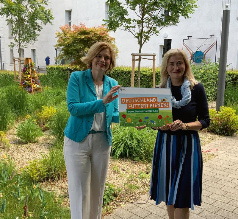 Bundesministerin Julia Klöckner und VDG-Präsidentin Martina Mensing- Meckelburg – Foto: VDG