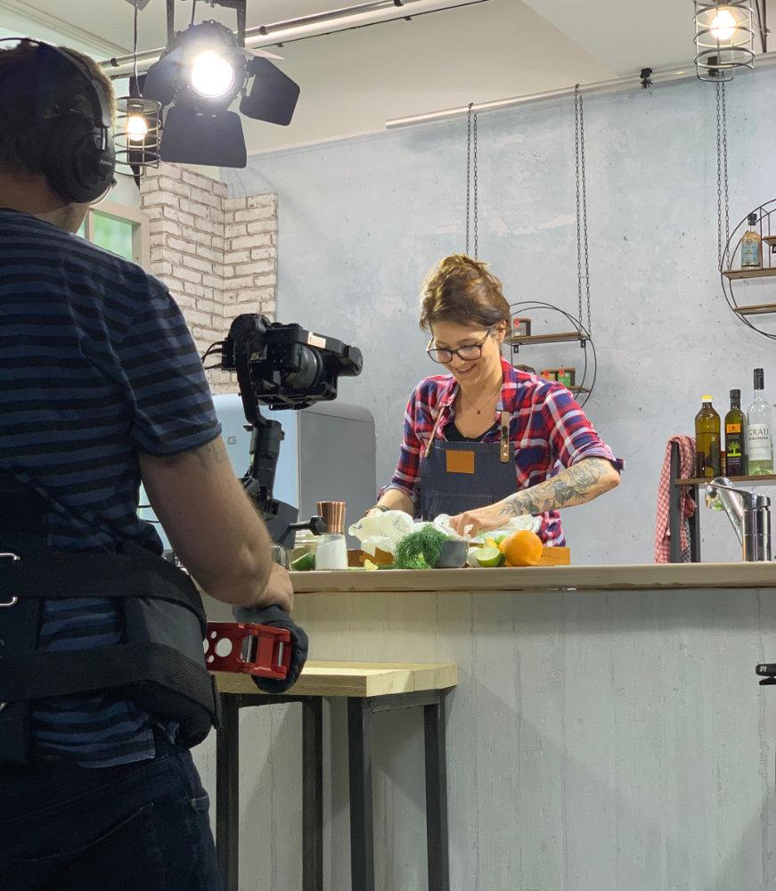 Christina von Farbbechers Cuisine© – Foto: 1000 gute Gründe, Studio 360